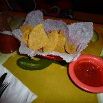 Chips & salsa at La Quetzalteca