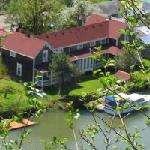 Twin Gables Bed and Breakfast on Skamokawa Creek