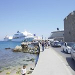 Full-Day Tour Pearl of Rhodes: Lindos and the Old Town of Rhodes