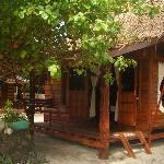 Zanom Sunrise is a small family run place on a quiet part of Sunrise Beach. There is a pleasant