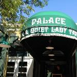 The Palace Restaurant Foto