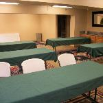 Econo Lodge Inn & Suites resmi