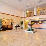 BEST WESTERN Windsor Inn & Suitesの写真