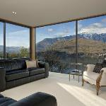 Amour Queenstown Bed & Breakfast