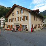  Bergm_Hotel Albula_lato strada cantonale