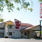 Red Roof Inn - Taylorsville