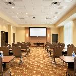  Meeting Space accomdates up to 120 people
