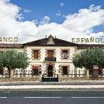  Bodegas Franco Espaolas, al otro lado del Puente de Hierro