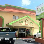Photo of Roomba Inn Daytona Beach