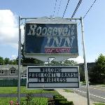 Roosevelt Inn sign