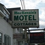 ‪Mackenzie's Motel and Cottages‬