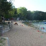  The beach and lakefront cabins