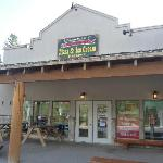 Mountain Pizza and Ice Cream, Fairmont Hot Springs, BC