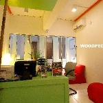 Woodpecker Lodge resmi