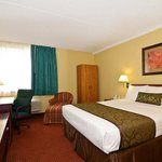 ‪BEST WESTERN Waukesha Grand‬