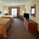  CountryInn&amp;Suites Northwood GuestRoom