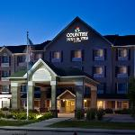 CountryInn&Suites Northwood ExteriorNight