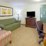  CountryInn&amp;Suites Green Bay SuiteLivingRoom