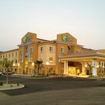 Foto van Holiday Inn Express Red Bluff - South Redding Area
