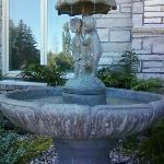 Sweet Fountain outside