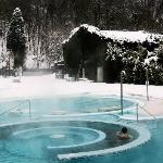  Neve in piscina