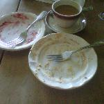 An Americano and two desserts finished the lunch off nicely.
