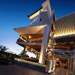 Just a 10-minute walk from Kuta Beach and the popular Discovery Shopping Mall, Grand Whiz Hotel