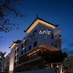 Grand Whiz Kuta is a 15-minute drive from Ngurah Rai International Airport, while Kuta Art Marke