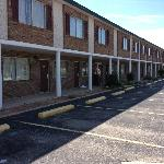Regency Inn and Suites West Plains resmi