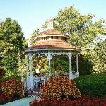 Nice Gazebo in Courtyard
