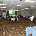  Madison Meeting Room