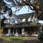 Parmele House Bed & Breakfast