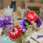  Flowers on breakfast tables