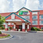 Holiday Inn Express Hotel And Suites Conference Center