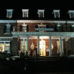 The Georgian inn at night