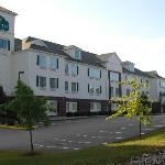  La Quinta Pawcatuck