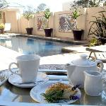 Cape Flame Guest House 'Tea by the pool'
