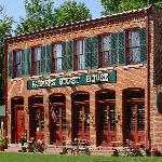 The Farmers Guest House - Galena's only 1800's Restored Inn