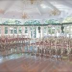 For Brides: This is the round room @ the Cottage where u can have your ceremony. Simple yet eleg