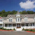 Photo de Harmony Manor Bed & Breakfast