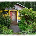 Tofino Travellers Guesthouse