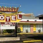 ‪Cadillac Motel Near the Falls‬