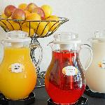  Continental breakfast Juice station