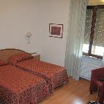  Pleasant room with enough room