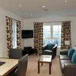 Foto de Fountain Court Apartments - Grove Executive