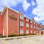 ‪Microtel Inn by Wyndham Eagle Ridge‬