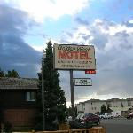 Golden west motel