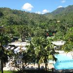 Piscina vista da varanda do apartamento.