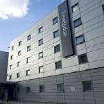 Travelodge London Docklands exterior 2