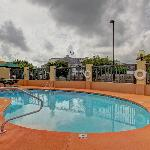 Hampton Inn Waycross Outdoor Pool